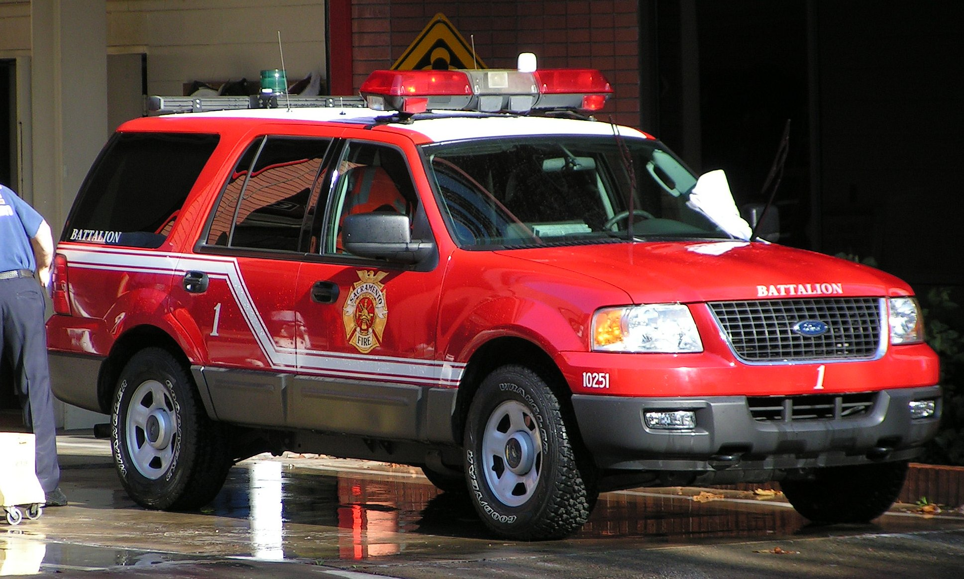 CA, Sacramento Fire Department Command Car