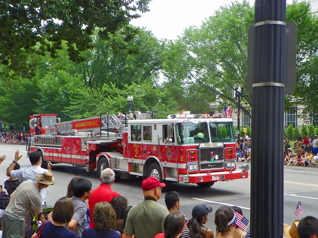 dc  dictrict of columbia fire department ladder company