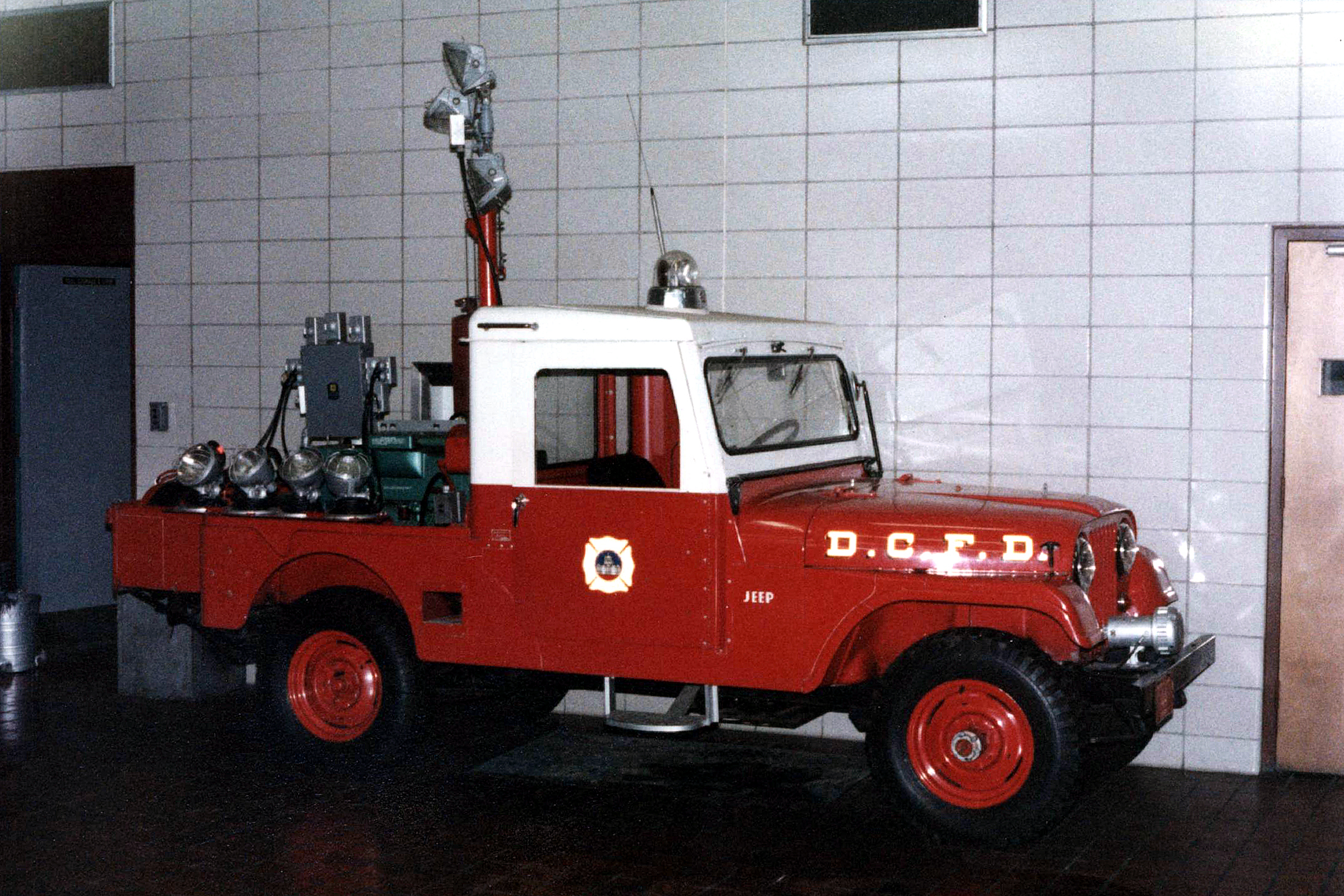 Compressed Air Car >> DC, Dictrict of Columbia Fire Department Old Special Operations