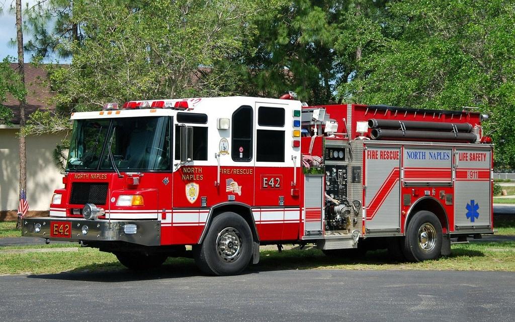 FL, North Naples Fire Department Engine / Ladder
