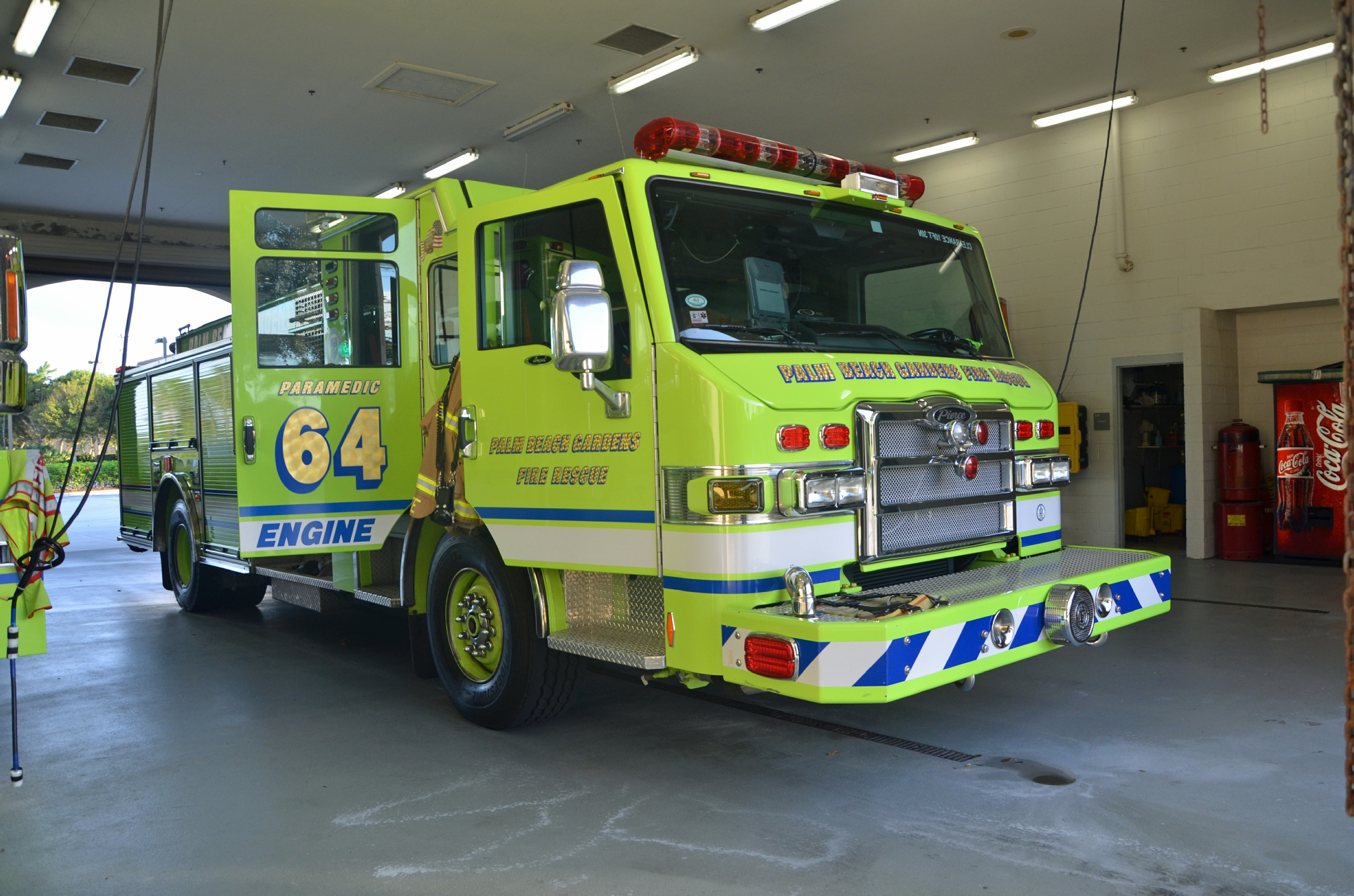FL, Palm Beach Gardens Fire Department Engine / Ladder