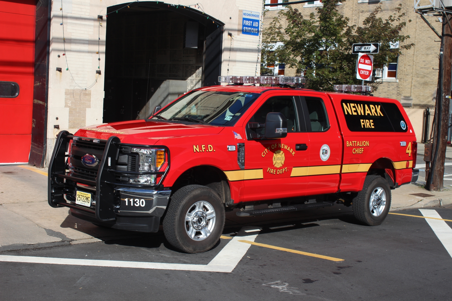 NJ, Newark Fire Department Command Car